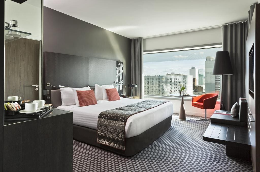 Sleep iN France: Meliá La Defense