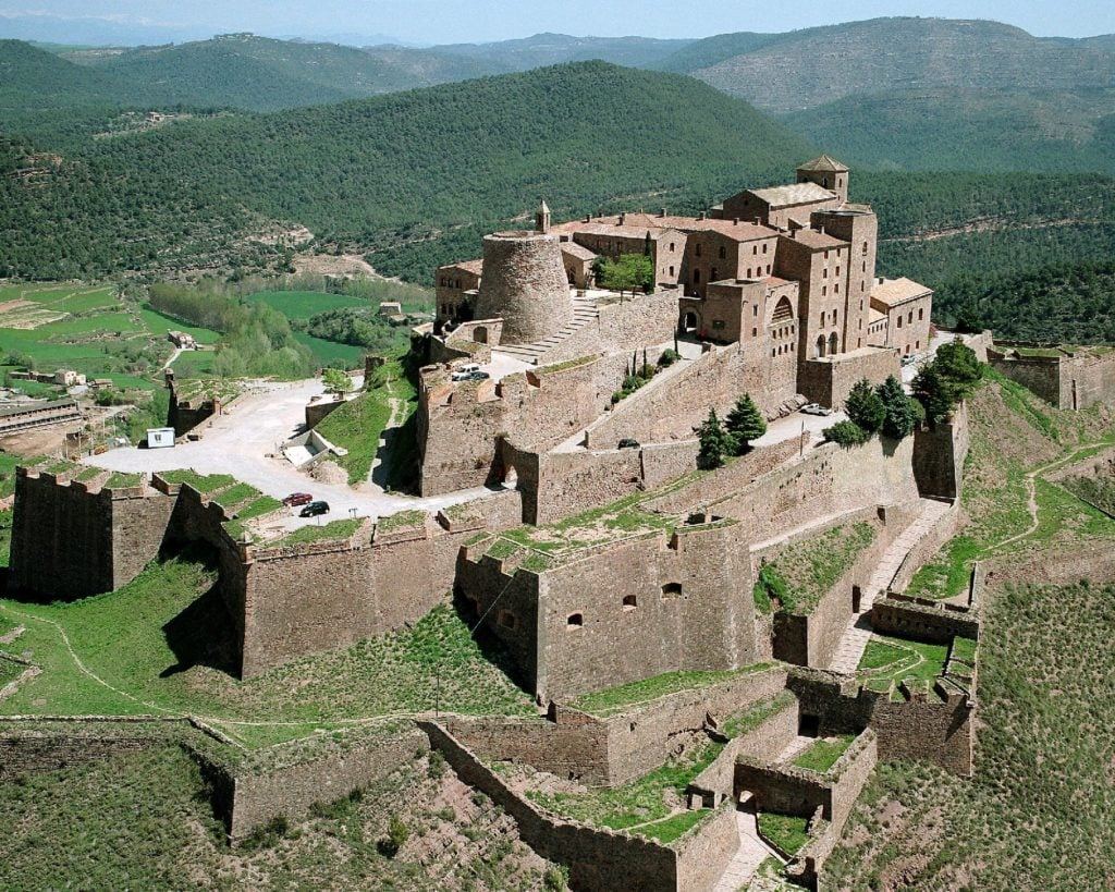The Cardona Parador castle hotel is part of our iNSIDE EUROPE Sight-Sleeping Collection.